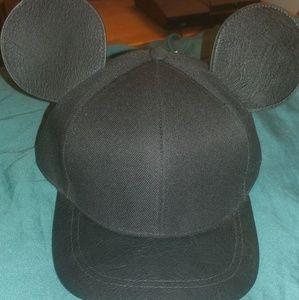 H&M Accessories - Mickey ears snapback🐭